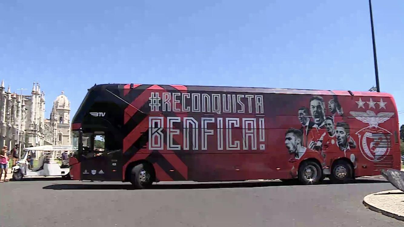 NEOPLAN Skyliner para o Sport Lisboa e Benfica
